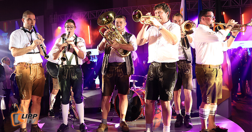 bands performing at new world hotel makati