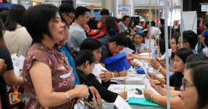 Job seekers flock to Clark's 'Get HOTS' fair